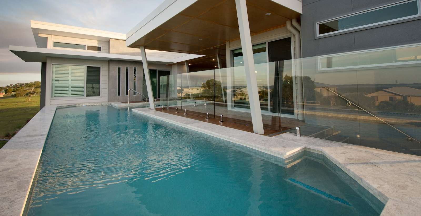 swimming pools hervey bay